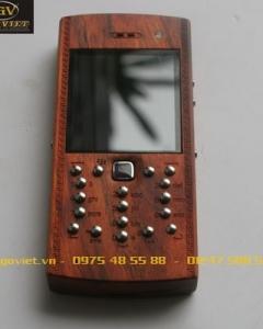 ĐIỆN THOẠI VỎ GỖ BLACKBERRY 9105