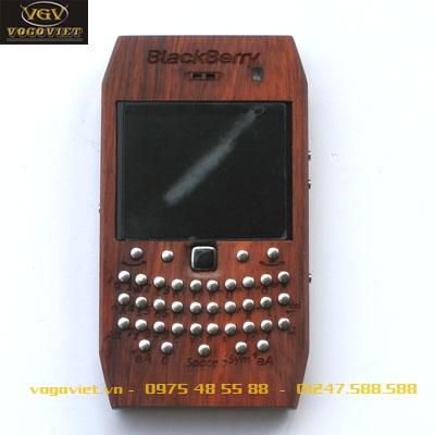 VỎ GỖ ĐIỆN THOẠI Blackberry 9700