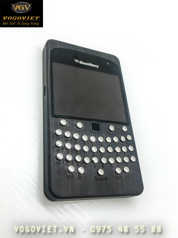 VỎ GỖ ĐIỆN THOẠI BLACKBERRY 9900