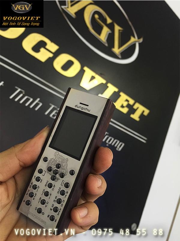 Vỏ gỗ điện thoại philips E103